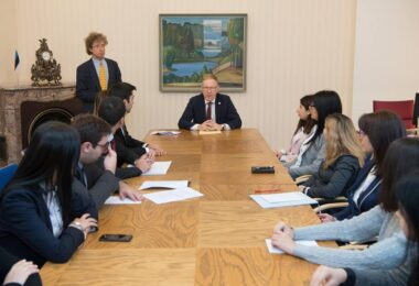 Kahe aasta pikkune viljakas koostöö Armeenia Diplomaatilise Kooliga sai eduka lõpu